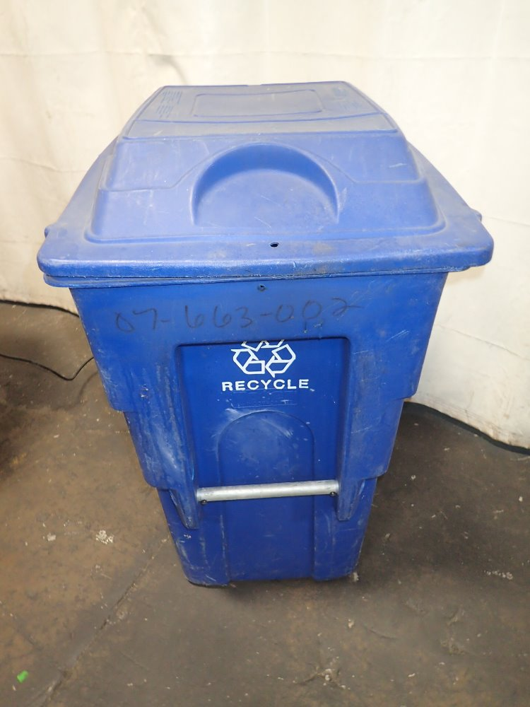 Used toter plastic portable recycling bin hgr industrial - Collapsible trash bins ...